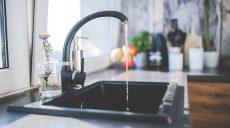 Blaty kamienne do kuchni - eleganckie rozwiązania na lata