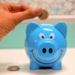 5 pomysłów, jak oszczędzać pieniądze na co dzień