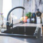 Blaty kamienne do kuchni – eleganckie rozwiązania na lata
