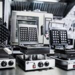 Gofrownica przemysłowa – jaką wybrać i na co zwrócić uwagę?