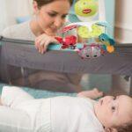 Karuzela do łóżeczka – pomysł na prezent dla młodych rodziców