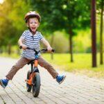 Rowerki klasyczne i biegowe dla dzieci – jak wybrać najlepszy produkt?